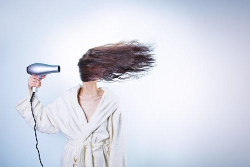 Bästa tipsen för frissigt hår