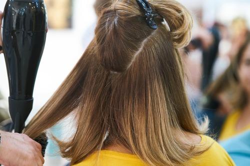 Naturliga hårprodukter och kloka frisyrtips!